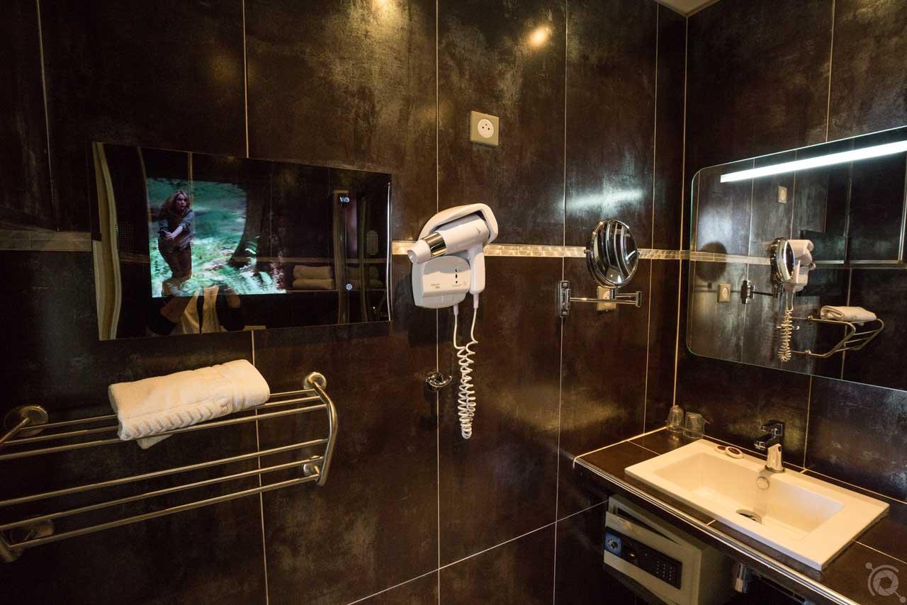lang[meta_title] - Chambre 07 - Salle de bain 2