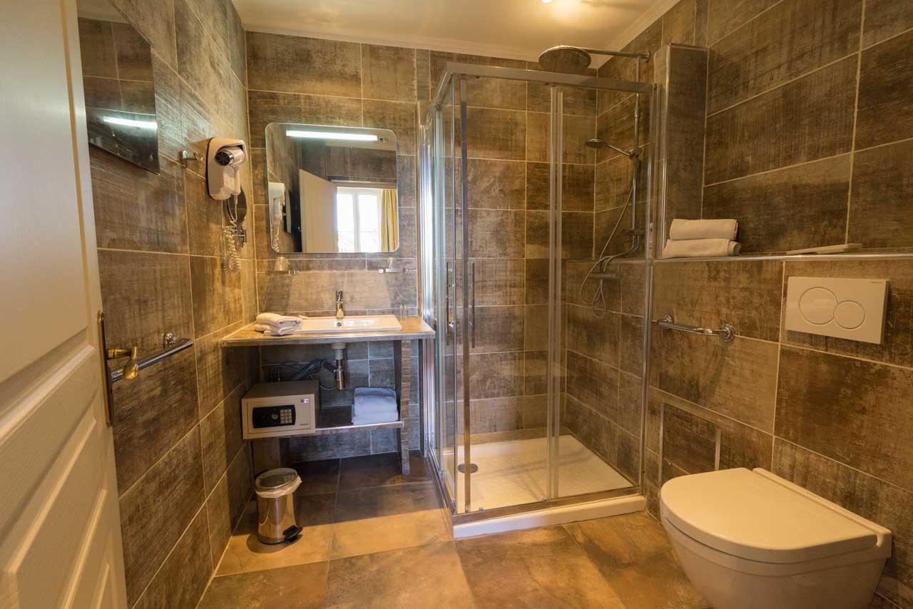 lang[meta_title] - Chambre 07 - Salle de bain