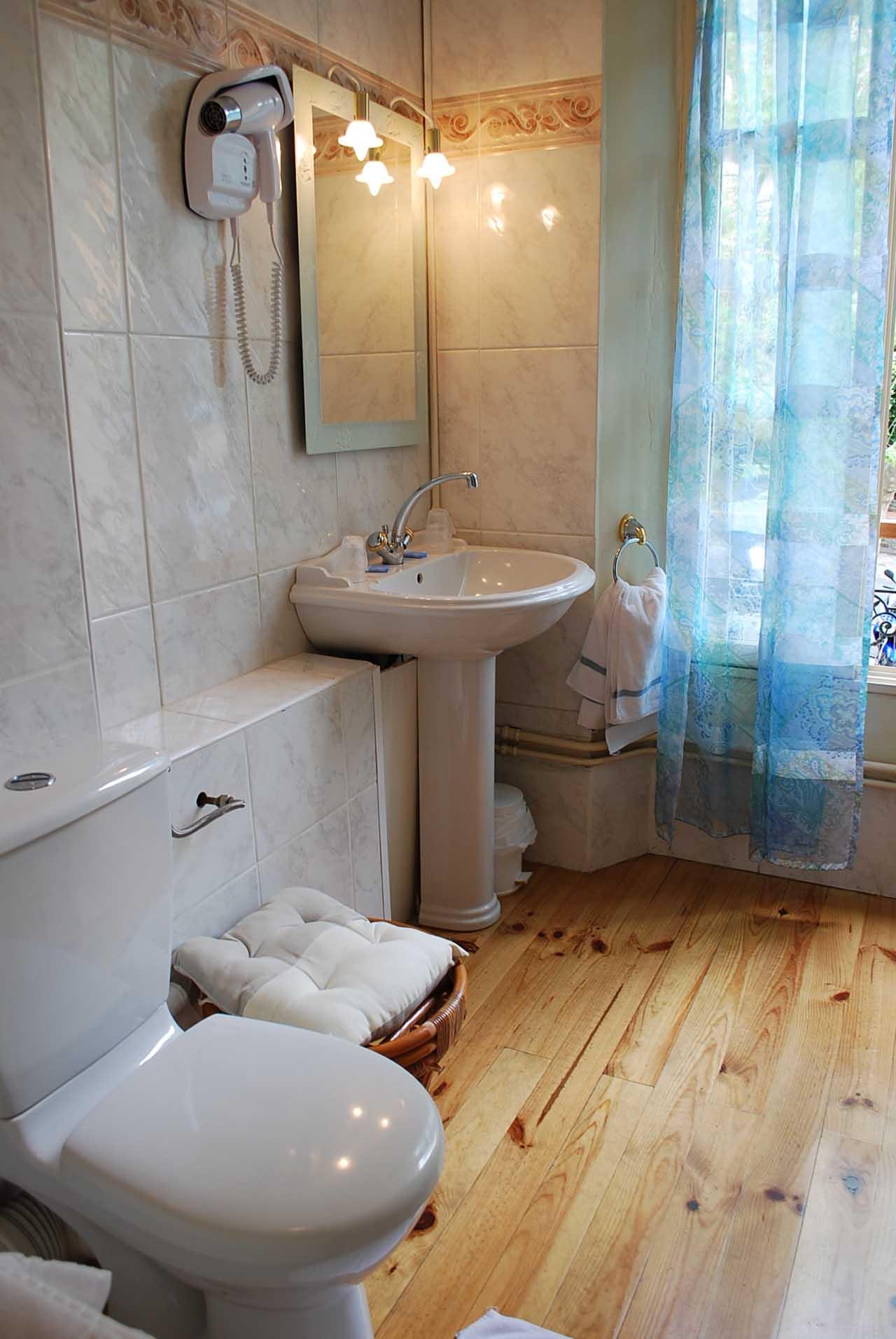 lang[meta_title] - Chambre 09 - Salle de bain